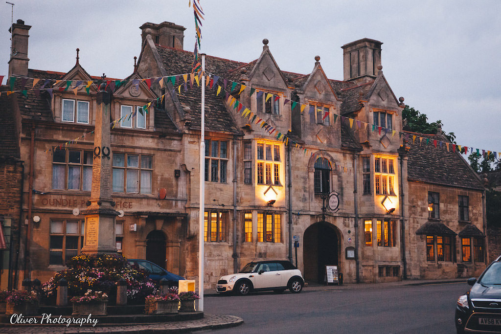 talbot hotel oundle by night