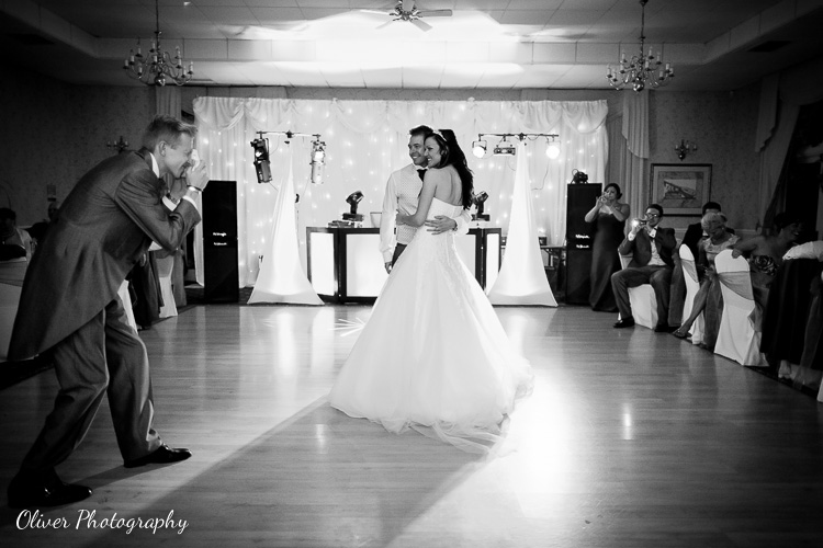 making wedding guests keep their snap-happy tendencies under control